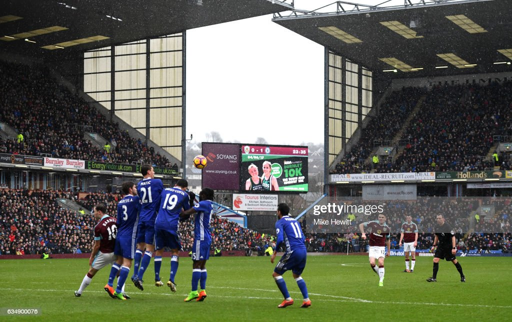 Robbie Brady of Burnley scores his sides first goal during the Premier League match between Burnley and Chelsea at Turf Moor on February 12, 2017 in Burnley, England.