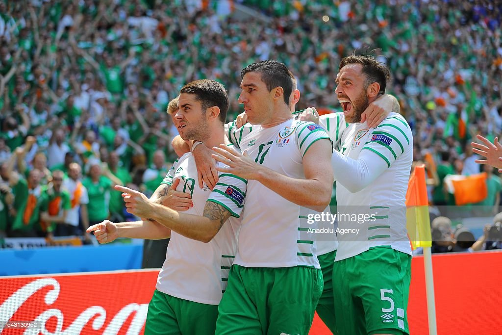 Robbie Brady of Ireland and his teammates celebrate after scoring a goal during the UEFA Euro 2016 Round of 16 football match between France and Ireland at the Stade de Lyon in Lyon, France on June 26, 2016.