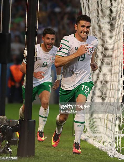 Robbie Brady of Republic of Ireland celebrates after he scores during the UEFA EURO 2016 Group E match between Italy and Republic of Ireland at Stade...