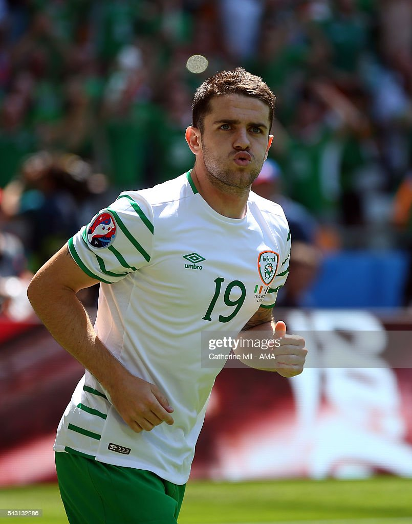 <a gi-track='captionPersonalityLinkClicked' href=/galleries/search?phrase=Robbie+Brady&family=editorial&specificpeople=9028769 ng-click='$event.stopPropagation()'>Robbie Brady</a> of Republic of Ireland celebrates after scoring to make it 0-1 during the UEFA EURO 2016 Round of 16 match between France and Republic of Ireland at Stade des Lumieres on June 26, 2016 in Lyon, France.