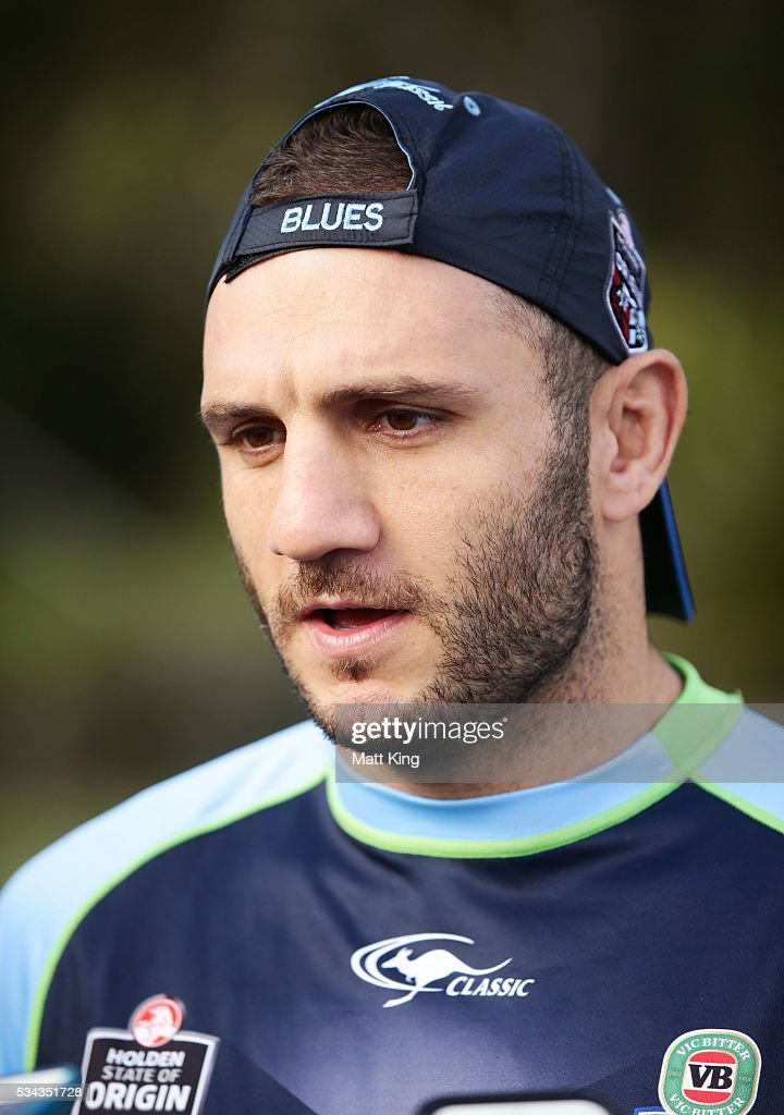 <a gi-track='captionPersonalityLinkClicked' href=/galleries/search?phrase=Robbie+Farah&family=editorial&specificpeople=544364 ng-click='$event.stopPropagation()'>Robbie Farah</a> of the Blues speaks to the media during a New South Wales State of Origin media opportunity on May 26, 2016 in Coffs Harbour, Australia.