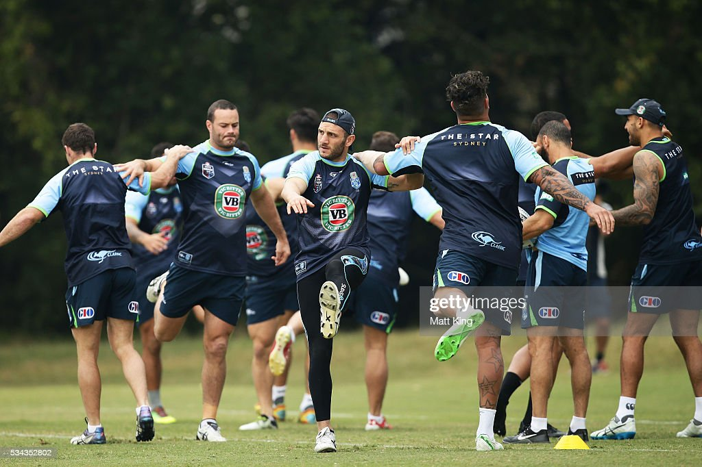 <a gi-track='captionPersonalityLinkClicked' href=/galleries/search?phrase=Robbie+Farah&family=editorial&specificpeople=544364 ng-click='$event.stopPropagation()'>Robbie Farah</a> of the Blues stretches during a New South Wales State of Origin media opportunity on May 26, 2016 in Coffs Harbour, Australia.