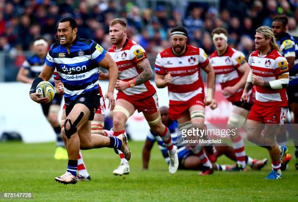 Robbie Fruean of Bath breaks free to score a try during the Aviva Premiership match between Bath Rugby and Gloucester Rugby at the Recreation Ground...