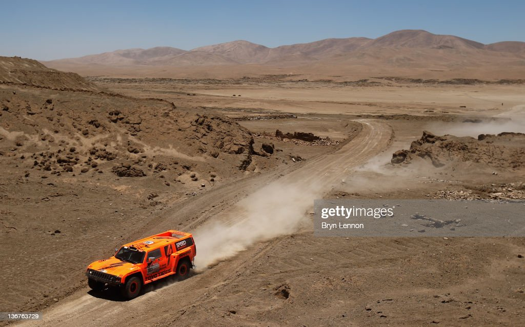 Robbie Gordon of the USA drives his Hummer on stage ten of the 2012 Dakar Rally from Iquique to Arica on January 11 2012 in Arica Peru