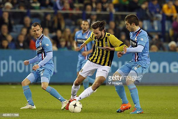 Robbie Haemhouts of Willem II Davy Propper of Vitesse Dries Wuytens of Willem II during the Dutch Eredivisie match between Vitesse Arnhem and Willem...