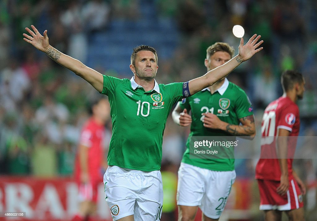 <a gi-track='captionPersonalityLinkClicked' href=/galleries/search?phrase=Robbie+Keane&family=editorial&specificpeople=171824 ng-click='$event.stopPropagation()'>Robbie Keane</a> of Republic of Ireland celebrates after scoring Ireland's 3rd goal during the UEFA EURO 2016 Qualifier between Gibraltar and Republic of Ireland at Estadio Algarve on September 4, 2015 in Faro, Portugal.