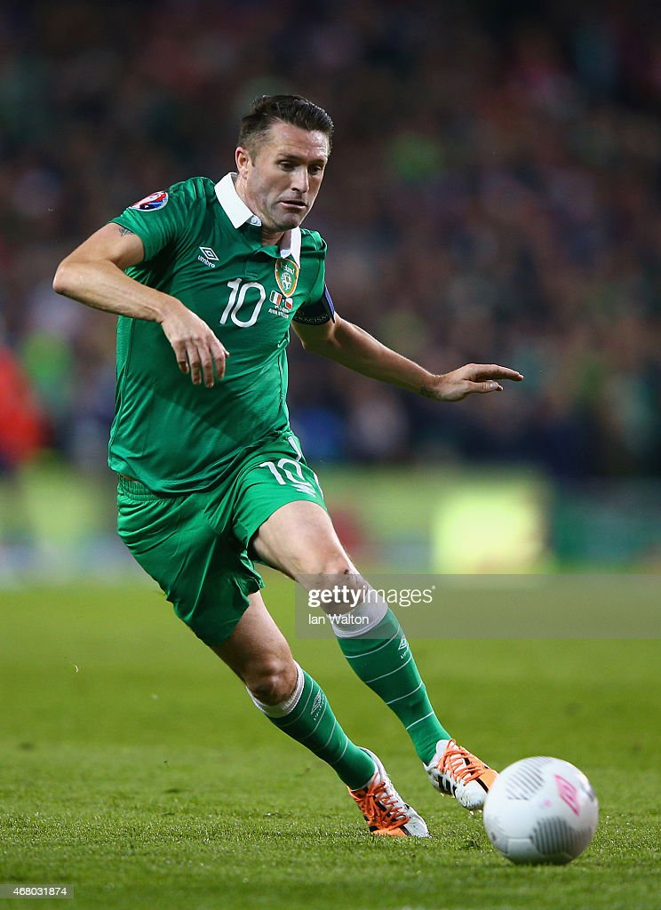 Robbie Keane of Republic of Ireland on the ball during the EURO 2016 Qualifier match between Republic of Ireland and Poland at Aviva Stadium on March...