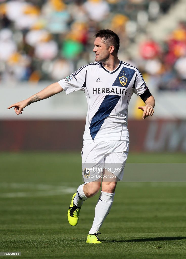Robbie Keane #7 of the Los Angeles Galaxy keeps pace with the play during the MLS match against Chivas USA at The Home Depot Center on March 17, 2013 in Carson, California. Chivas USA and the Los Angeles Galaxy played to a 1-1 draw.