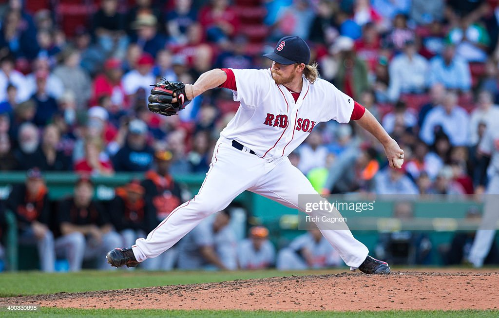 Robbie Ross Jr. #28 of the Boston Red Sox pitches during the ninth inning against the Baltimore Orioles at Fenway Park on September 27, 2015 in Boston, Massachusetts. The Red Sox won 2-0.