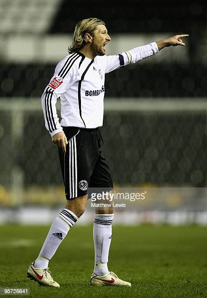 Robbie Savage of Derby gives out instructions during the FA Cup 3rd Round Replay match between Derby County and Millwall at Pride Park on January 12...