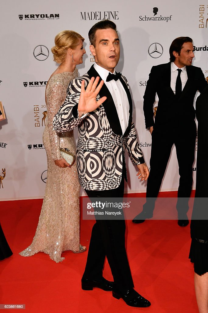 Robbie Williams arrives at the Bambi Awards 2016 at Stage Theater on November 17, 2016 in Berlin, Germany.