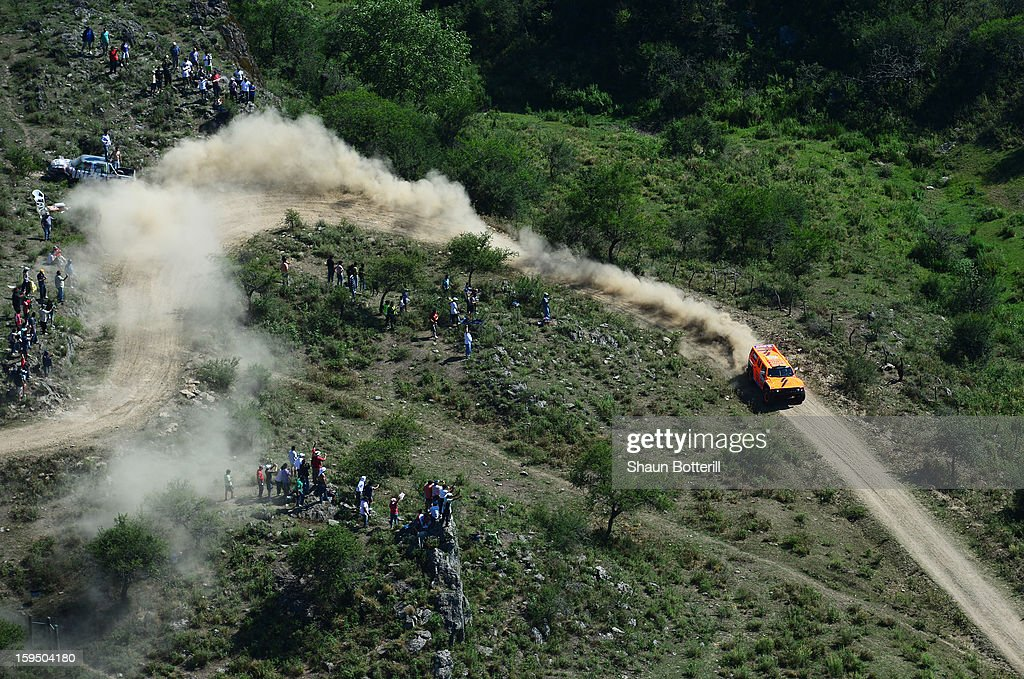 Robby Gordon and co-driver Kellon Waich of team Hummer compete in stage 9 from Tucuman to Cordoba during the 2013 Dakar Rally on January 14 in Tucuman, Argentina.