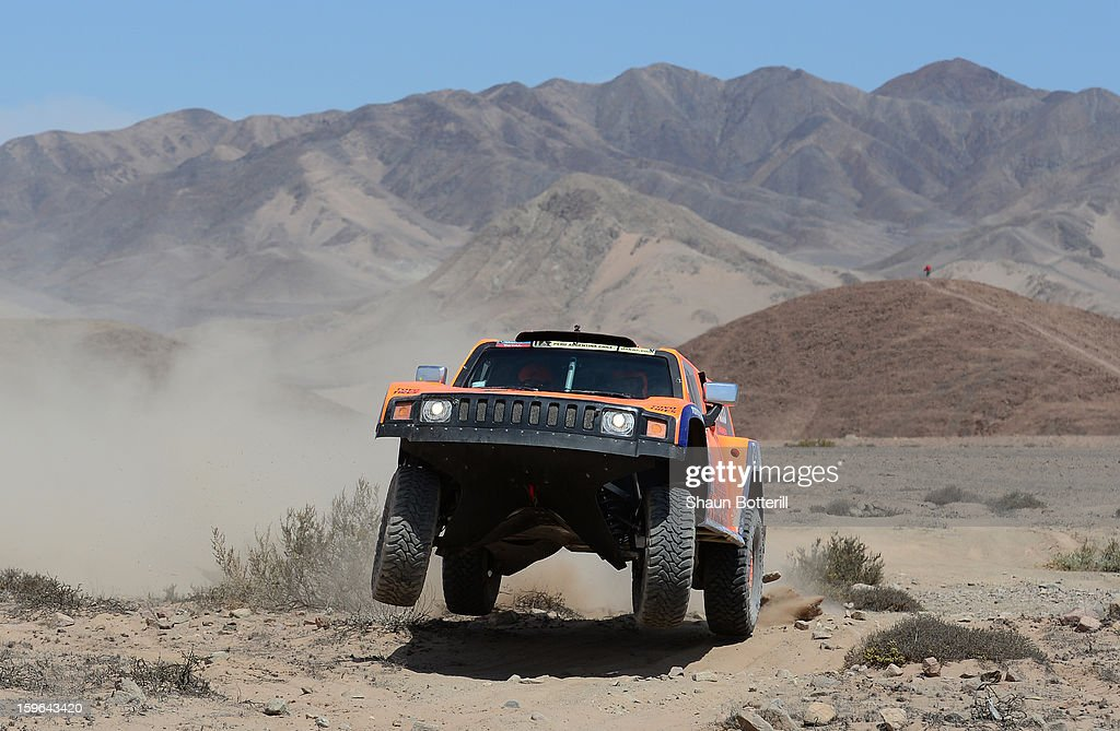 Robby Gordon and co-driver Kellon Walch of team Hummer compete in stage 12 from Fiambala to Copiapo during the 2013 Dakar Rally on January 17, 2013 in Fiambala, Argentina.