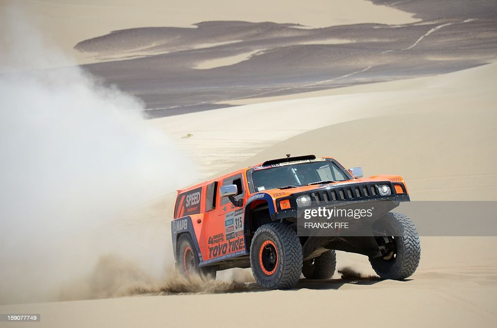 US Robby Gordon steers his Hummer during Stage 3 of the Dakar Rally 2013 between Pisco and Nazca, Peru, on January 7, 2013. The rally will take place in Peru, Argentina and Chile from January 5-20. AFP PHOTO / FRANCK FIFE