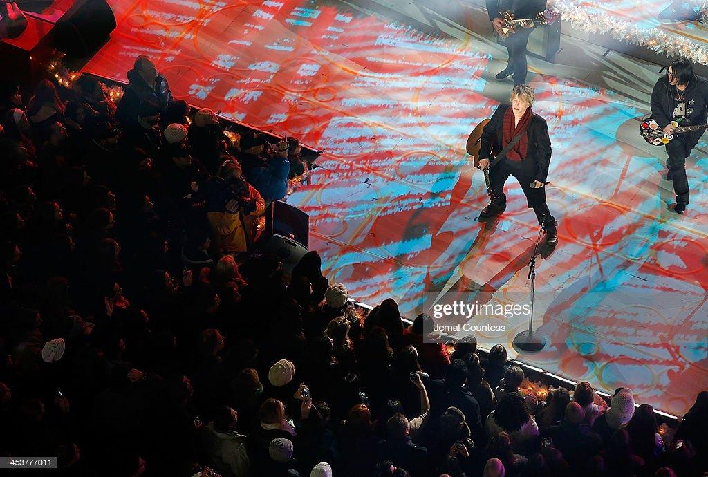 Robby Takac and John Rzeznik of the Goo Goo Dolls perform during 81st Annual Rockefeller Center Christmas Tree Lighting Ceremony at Rockefeller Center on December 4, 2013 in New York City.