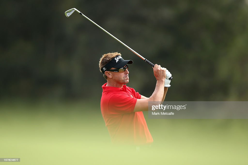 <a gi-track='captionPersonalityLinkClicked' href=/galleries/search?phrase=Robert+Allenby&family=editorial&specificpeople=178193 ng-click='$event.stopPropagation()'>Robert Allenby</a> of Australia plays a shot during round two of the 2012 Australian Open at The Lakes Golf Club on December 7, 2012 in Sydney, Australia.