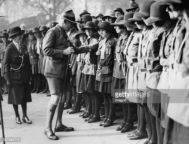 Robert BadenPowell inspected Scouts in front of the Guidehall in London on the occasion of the award of honorary citizenship to him 19th October 1929...