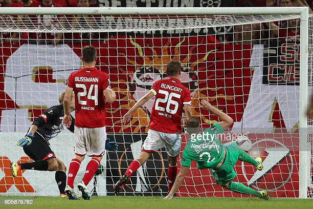 Robert Beric of SaintEtienne scores his teams equaliser during the UEFA Europa League Group C match between 1 FSV Mainz 05 and AS SaintEtienne at...