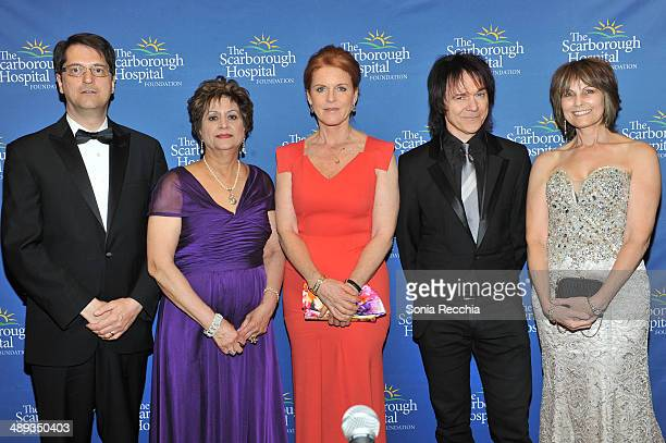 Robert Biron Dr Dhun Noria The Duchess of York Sarah Ferguson Lawrence Gowan and Janice Gowan attend The Scarborough World Gala Lifetime Achievement...