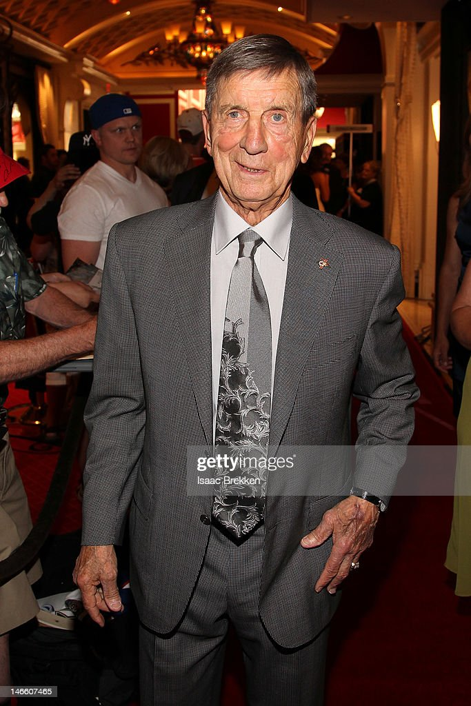 Robert Blake Theodore 'Terrible Ted' Lindsay, former player of the Detroit Red Wings, arrives before the 2012 NHL Awards at the Encore Theater at the Wynn Las Vegas on June 20, 2012 in Las Vegas, Nevada.