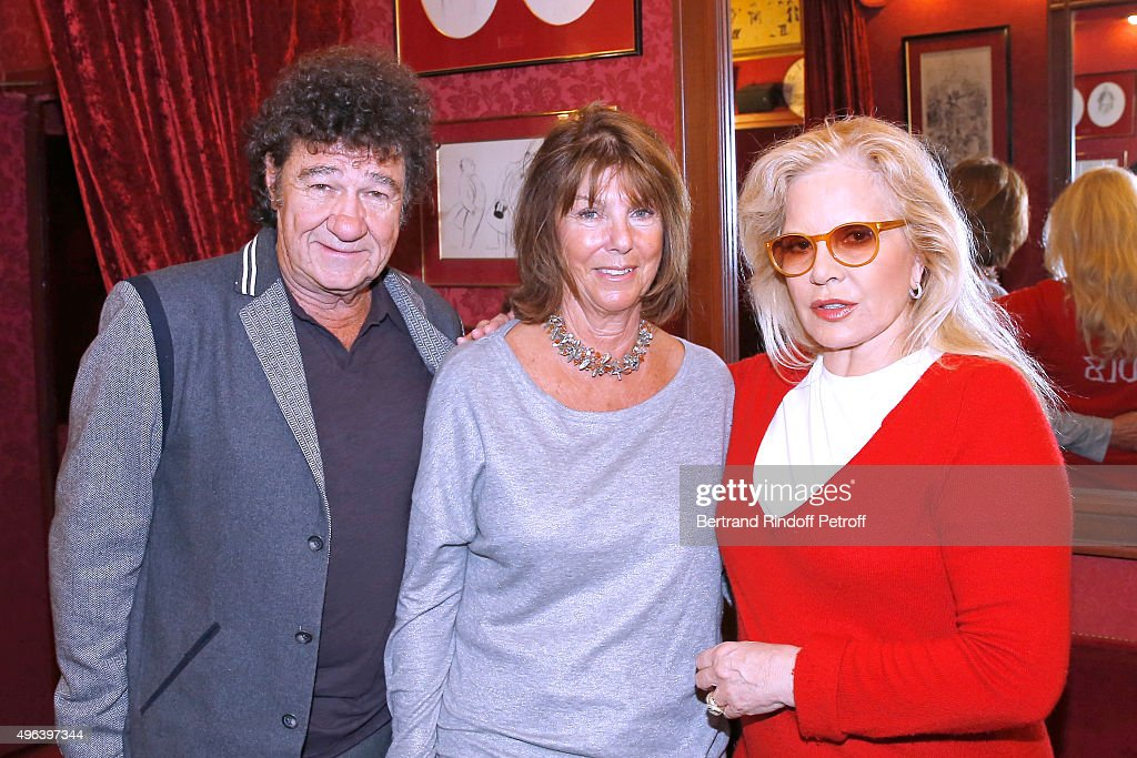 Robert Charlebois, his wife Laurence and Sylvie Vartan attend Sylvie Vartan triumphs in the Theater Play 'Ne me regardez pas comme ca !', performed at 'Theatre Des Varietes' on October 16, 2015 in Paris, France.