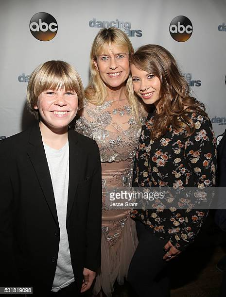 Robert Clarence Irwin Terri Irwin and Bindi Irwin attend the Dancing With The Stars Semi Finals Episode Celebration at Mixology Grill and Lounge on...