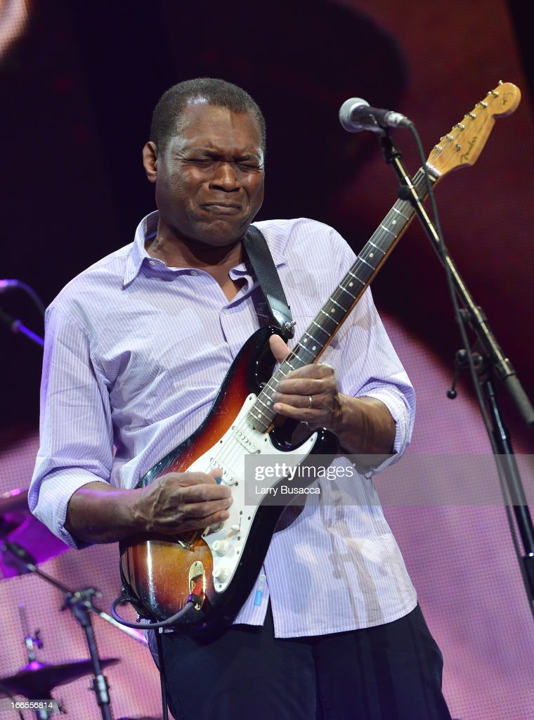 <a gi-track='captionPersonalityLinkClicked' href=/galleries/search?phrase=Robert+Cray&family=editorial&specificpeople=226956 ng-click='$event.stopPropagation()'>Robert Cray</a> performs on stage during the 2013 Crossroads Guitar Festival at Madison Square Garden on April 13, 2013 in New York City.