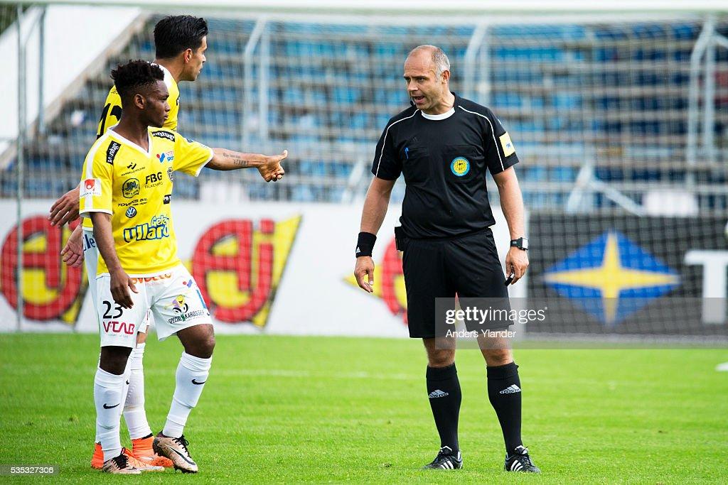 Robert Daradic, referee reacts to Enock Kwakwa of Falkenberg FF during the Allsvenskan match between Falkenbergs FF andKalmar FF at Falkenbergs IP on May 29, 2016 in Falkenberg, Sweden.