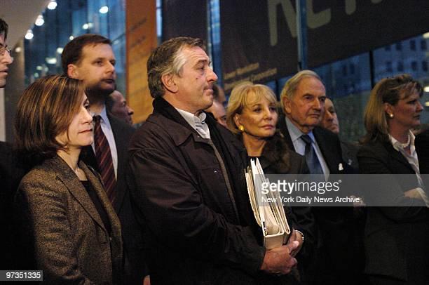 Robert De Niro Barbara Walters and David Rockefeller listen as World Trade Center master planner Daniel Libeskind speaks at the World Financial...