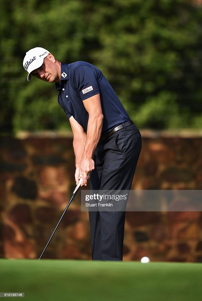 <a gi-track='captionPersonalityLinkClicked' href=/galleries/search?phrase=Robert+Dinwiddie&family=editorial&specificpeople=2286349 ng-click='$event.stopPropagation()'>Robert Dinwiddie</a> of England plays a shot during the final round of the Tshwane Open at Pretoria Country Club on February 14, 2016 in Pretoria, South Africa.