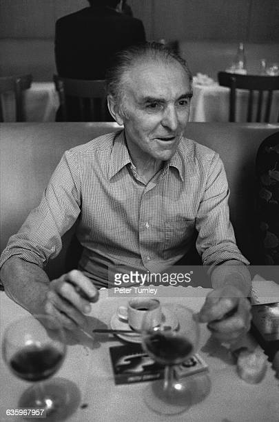 Robert Doisneau in a Restaurant