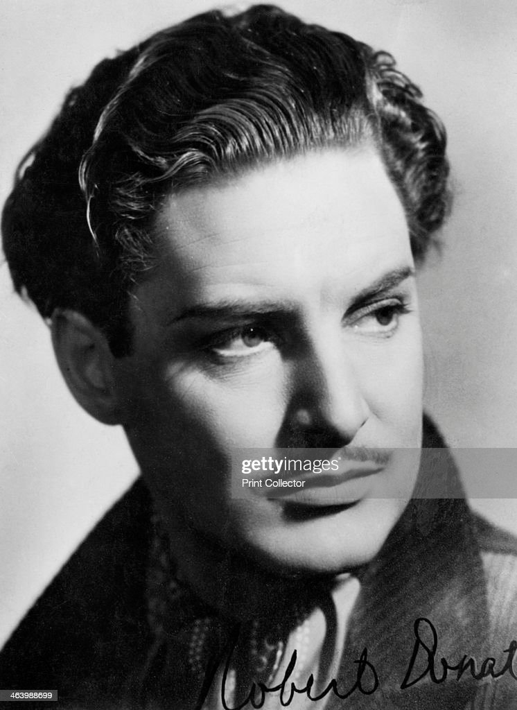 Robert Donat (1905-1958), British actor, c1930s-c1940s. Signed photograph. Born Friedrich Robert Donath, Donat made his film debut in 1932. He is best remembered for his performances in The Ghost Goes West (1935), The 39 Steps (1935) and Goodbye, Mr Chips (1939). He was awarded the Best Actor Oscar for the latter. A chronic asthmatic, he died not long after completing his last film, The Inn of the Sixth Happiness, in 1958.