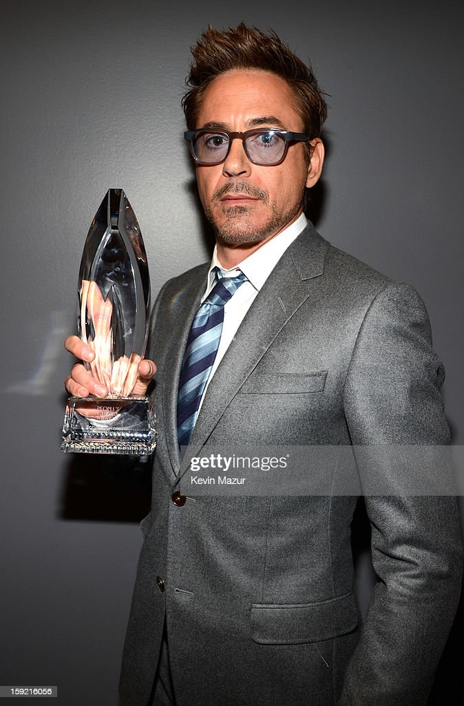 <a gi-track='captionPersonalityLinkClicked' href=/galleries/search?phrase=Robert+Downey+Jr.&family=editorial&specificpeople=204137 ng-click='$event.stopPropagation()'>Robert Downey Jr.</a> backstage during 2013 People's Choice Awards at Nokia Theatre L.A. Live on January 9, 2013 in Los Angeles, California.