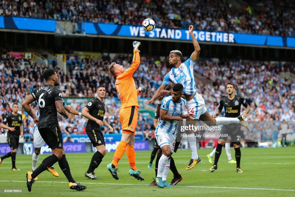 Huddersfield Town v Newcastle United - Premier League : News Photo