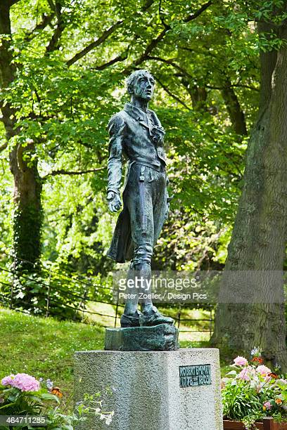 Robert emmet statue in stephen green