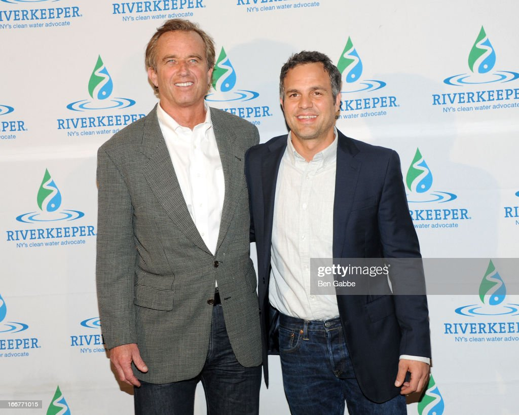 <a gi-track='captionPersonalityLinkClicked' href=/galleries/search?phrase=Robert+F.+Kennedy+Jr.+-+Environmental+Lawyer&family=editorial&specificpeople=240088 ng-click='$event.stopPropagation()'>Robert F. Kennedy Jr.</a> and <a gi-track='captionPersonalityLinkClicked' href=/galleries/search?phrase=Mark+Ruffalo&family=editorial&specificpeople=209317 ng-click='$event.stopPropagation()'>Mark Ruffalo</a> attend the 2013 Riverkeeper's Fishermen's Ball at Pier 60 on April 16, 2013 in New York City.