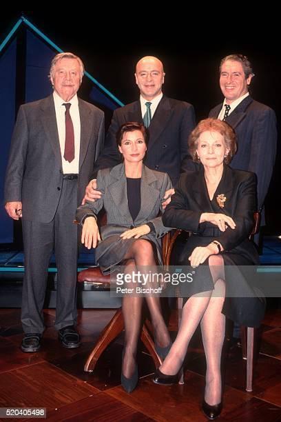 Robert Freitag Wilfried Baasner Volker Brandt davor Susanne Uhlen Marion van de Kamp Generalprobe vom Theaterstück 'Geld anderer Leute' am im...