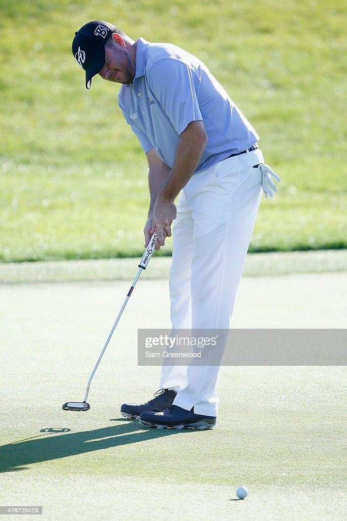 Robert Garrigus watches his birdie attempt on the 15th green during the second round of the Valspar Championship at Innisbrook Resort and Golf Club on March 14, 2014 in Palm Harbor, Florida.