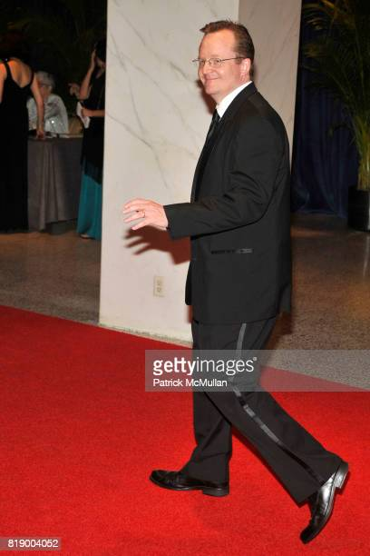 Robert Gibbs attend The 2010 WHITE HOUSE CORRESPONDENT'S DINNER ARRIVALS at The Washington Hilton on May 1st 2010 in Washington DC