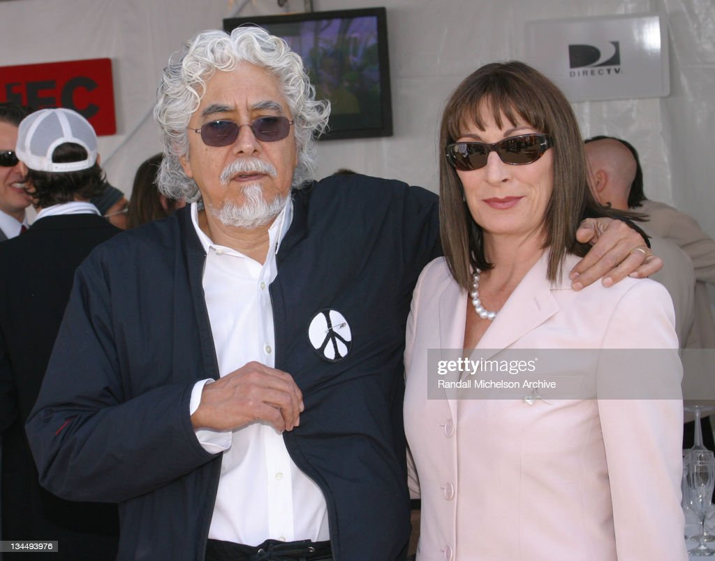 Robert Graham and Anjelica Huston during The 18th Annual IFP Independent Spirit Awards - Backstage at Santa Monica Beach in Santa Monica, California, United States.