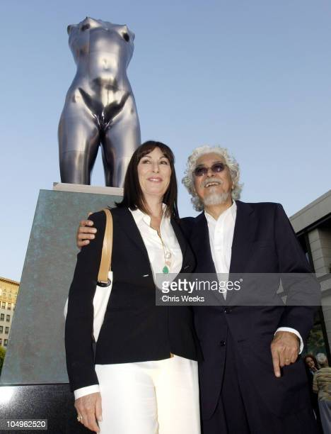 Robert Graham Anjelica Huston during Rodeo Drive Walk of Style 'Torso' by Robert Graham Unveiling at Rodeo Drive in Beverly Hills California United...