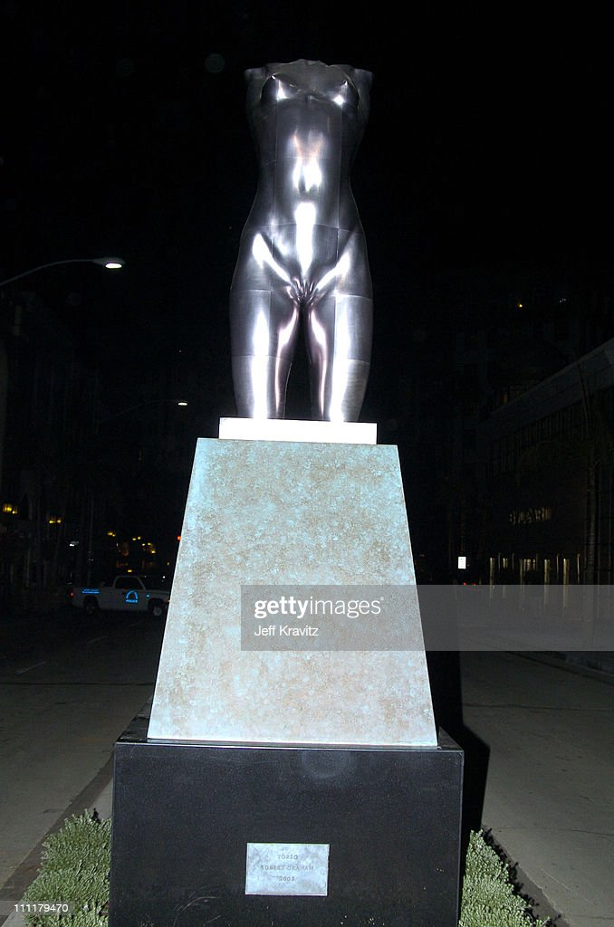 <a gi-track='captionPersonalityLinkClicked' href=/galleries/search?phrase=Robert+Graham+-+Escultor&family=editorial&specificpeople=4308211 ng-click='$event.stopPropagation()'>Robert Graham</a> Statue on Rodeo Drive during Tom Ford Receives Rodeo Walk of Style Awards-Arrivals in Beverly Hills, California, United States.