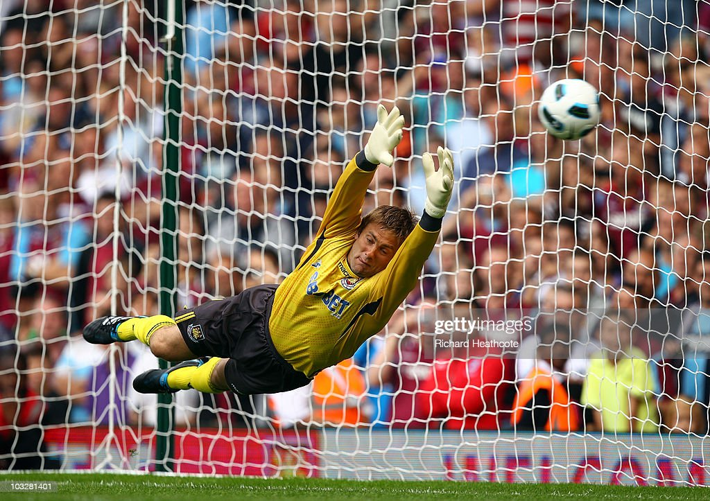 Robert Green of West Ham in action during the pre-season friendly match between West Ham United and Deportivo La Coruna at Upton Park on August 7, 2010 in London, England.