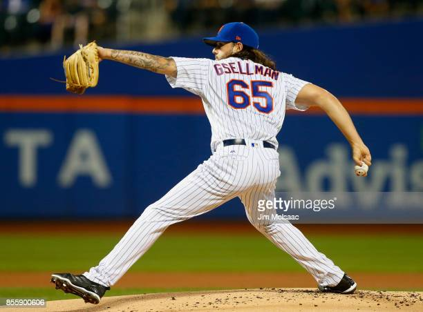Robert Gsellman of the New York Mets in action against the Atlanta Braves at Citi Field on September 27 2017 in the Flushing neighborhood of the...