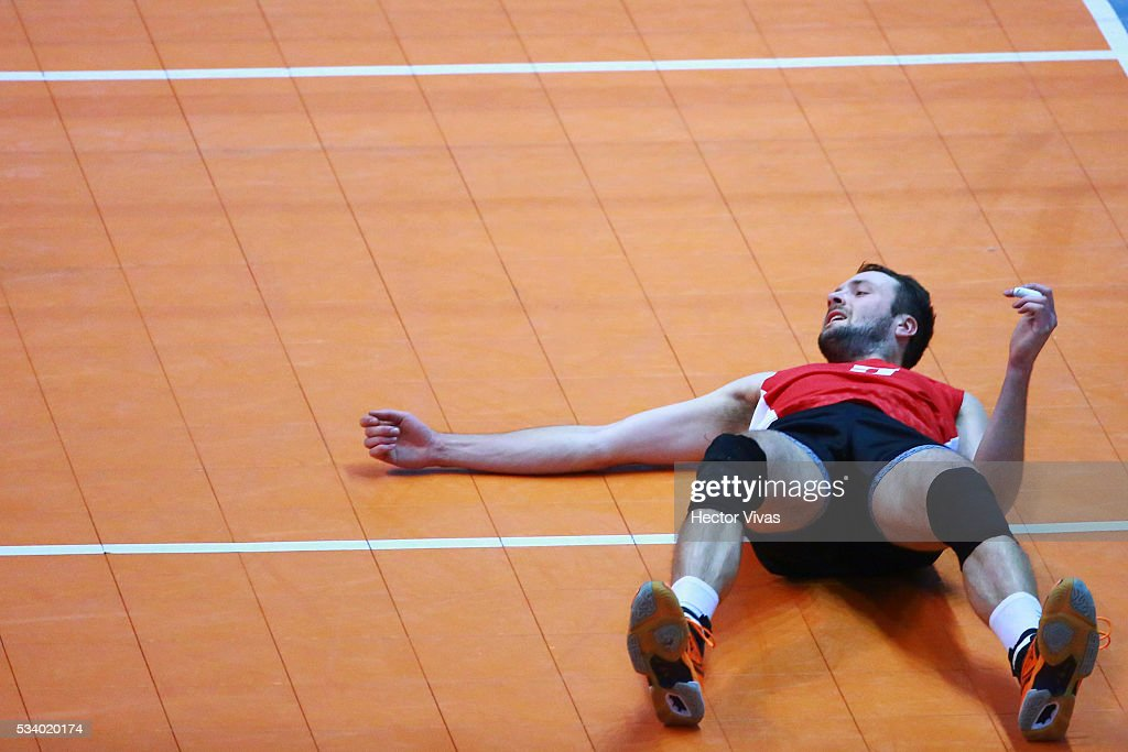 Robert Gunter of Canada reacts during a match between USA and Canada as part of Men's Panamerican Volleybal Cup at Gimnasio Ol'mpico Juan de la Barrera on May 24, 2016 in Mexico City, Mexico.