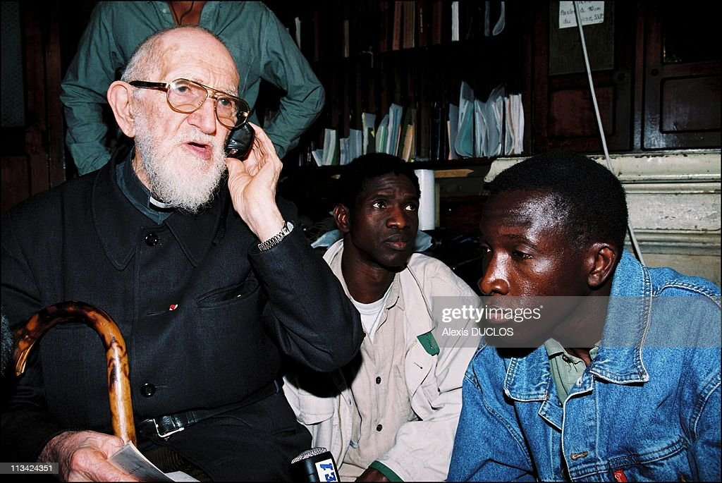 Robert Hue With Undocumented Peope Of SaintBernard On August 19th 1996 In Paris France