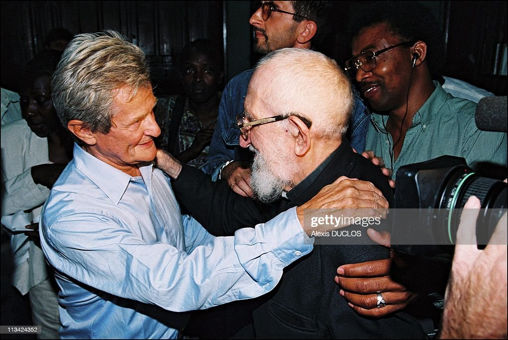 Robert Hue With Undocumented Peope Of Saint.Bernard On August 19th, 1996 In Paris, France.