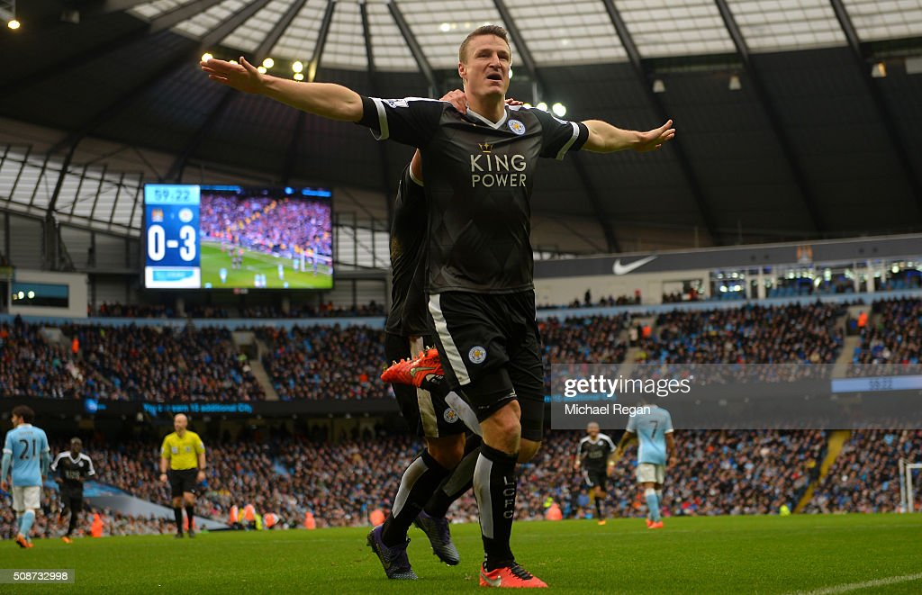 <a gi-track='captionPersonalityLinkClicked' href=/galleries/search?phrase=Robert+Huth&family=editorial&specificpeople=206878 ng-click='$event.stopPropagation()'>Robert Huth</a> of Leicester City celebrates scoring his team's third goal during the Barclays Premier League match between Manchester City and Leicester City at the Etihad Stadium on February 6, 2016 in Manchester, England.
