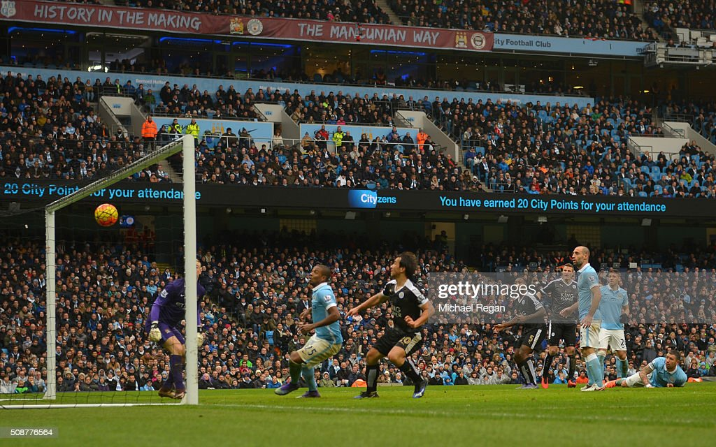 Robert Huth (4th R) of Leicester City scores his team's third goal during the Barclays Premier League match between Manchester City and Leicester City at the Etihad Stadium on February 6, 2016 in Manchester, England.