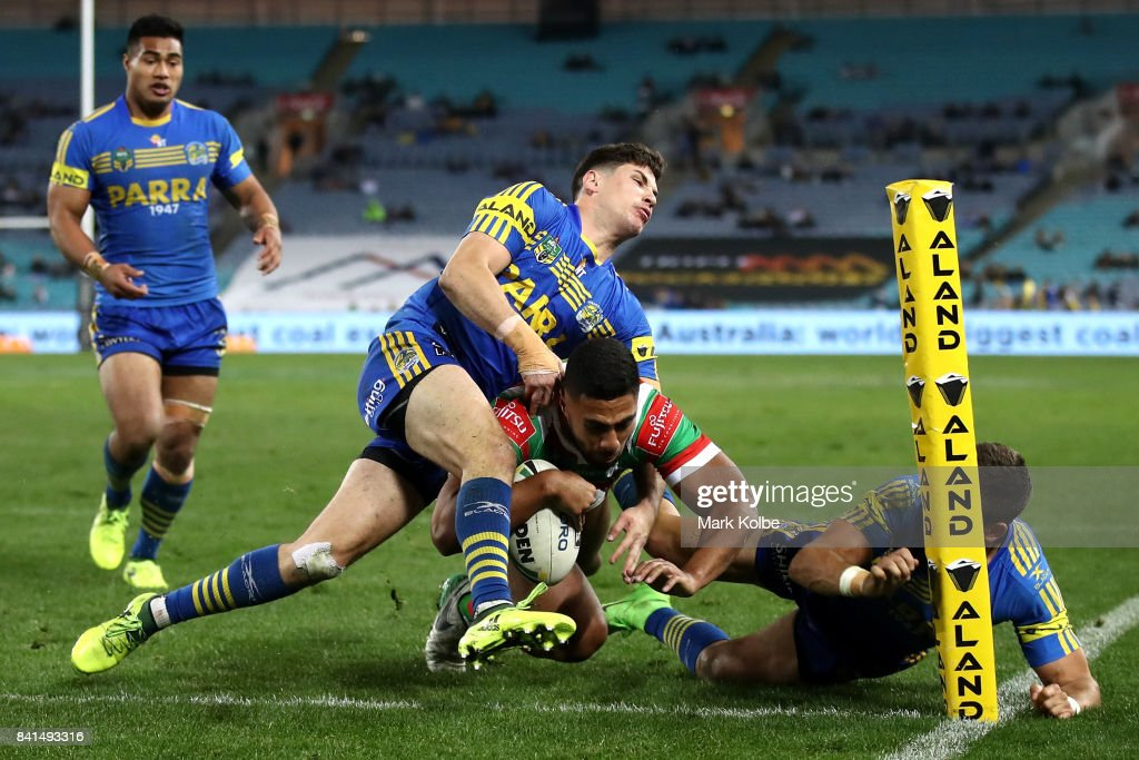 Robert Jennings of the Rabbitohs scores a try during the round 26 NRL match between the Parramatta Eels and the South Sydney Rabbitohs at ANZ Stadium on September 1, 2017 in Sydney, Australia.